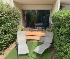 Studio-cabine en rez de jardin - en parfait état